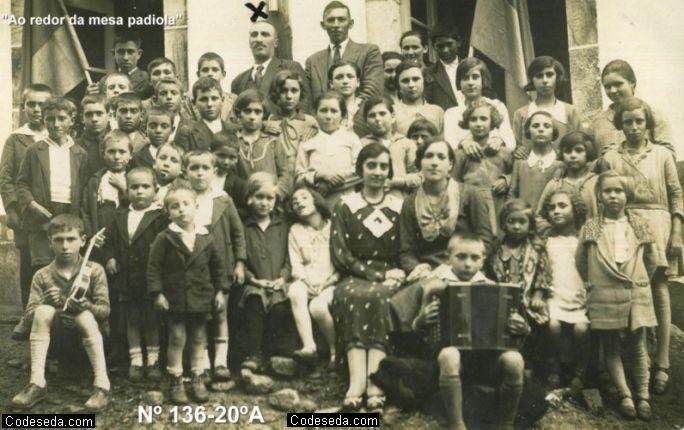 1920-06-ninos-colegio-foto-antigua