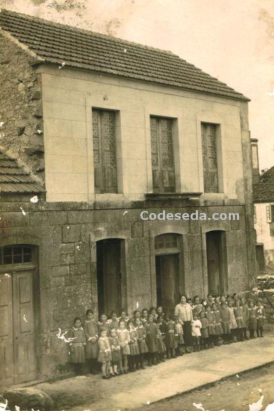 1924-04-fot-antigua-colegio