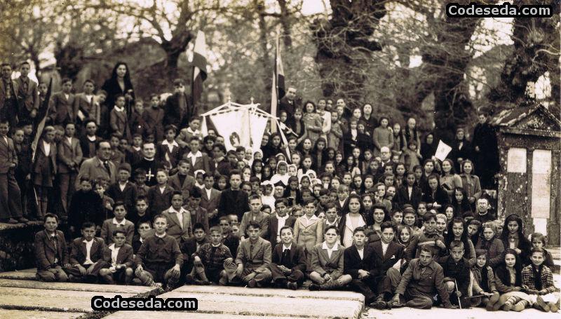 Foto antigua de 1942 en Codeseda (Galicia)