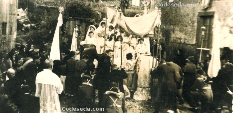 1956-04-corpus-procesion