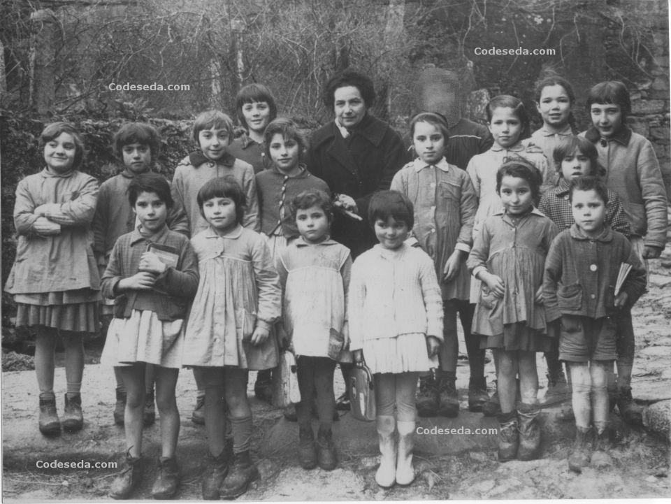 1958-29-antigua-ninos-colegio