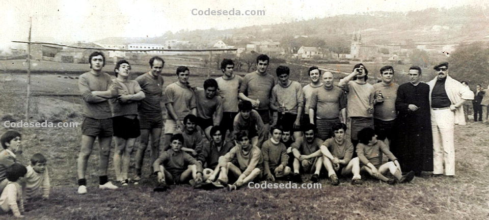 Foto-antigua-1972-partido-futbol