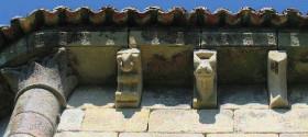 romanico-abside-canecillos