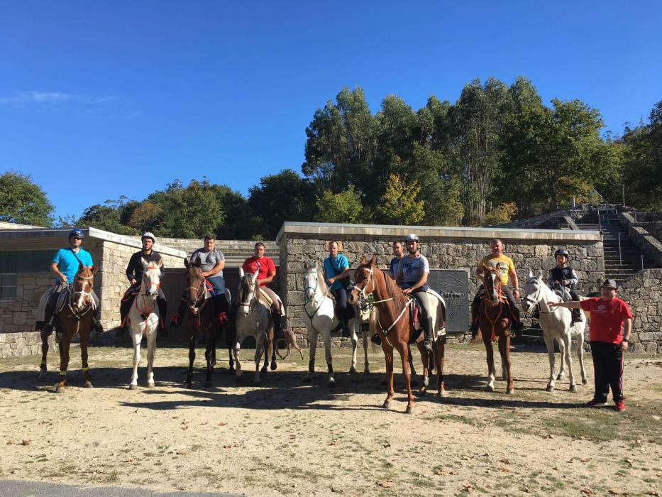 caballos-peregrinacion-sabucedo-faro-vigo