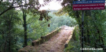 pedre-ponte-romana-camino-peregrinos-santiago