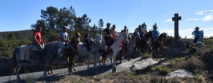 peregrinacion-caballo-camino-santiago-arreiros-minoto