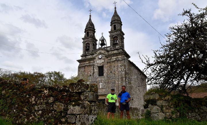 peregrinos-a-estrada-concello-santiago-forcarei-pontevea
