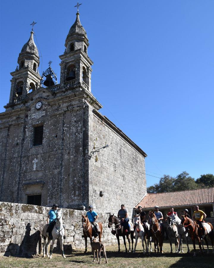 peregrinos-caballos-rapa-sabucedo-a-estrada