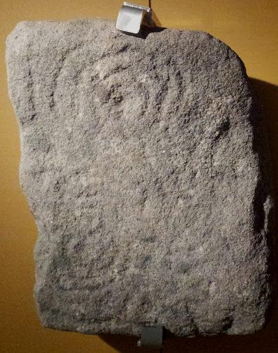 petroglifo-castro-cercas-a-estrada-museo-pontevedra