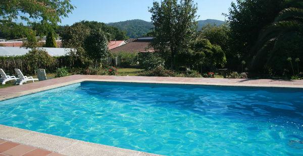 turismo-rural-casa-avelina-garrido-piscina-galicia
